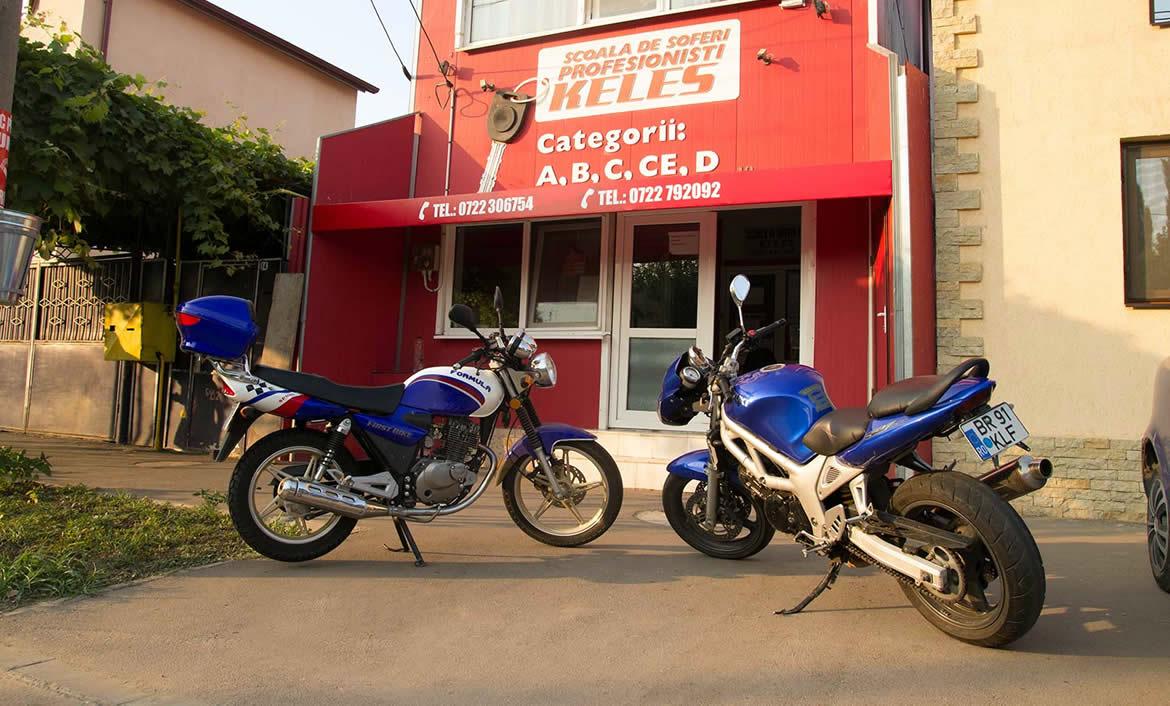 Moped si motocicleta scoala Keles